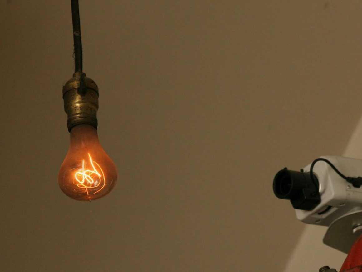 100-летняя лампа накаливания и планируемое устаревание продукции